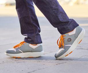 Кросівки та кеди